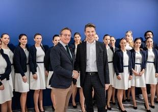 Gerhard Huber (CEO easystaff) & Mag. Wilfried Weitgasser (Geschäftsführer Prosche Austria GmbH) auf der Vienna Autoshow 2020