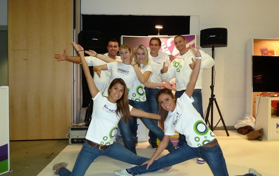 Motivierte Mitarbeiter für XBOX Kinect-Infostand